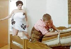 Una bella russa rilassata dopo un leggero massaggio con un giovane uomo, succhia il suo grosso cazzo in bocca e dopo aver succhiato il ragazzo sono stati impegnati in un sesso appassionato e sexy mobile videos megasesso con lei