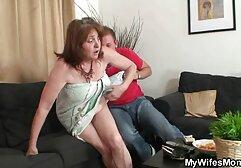 Insatiable maturo megasesso signora mamma scopa lei figlia e fidanzato a vedere loro favorite postures e tricks, terzetto con mamma