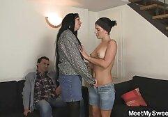 Segretaria, megasesso orgia passa da una puttana olandese per fare sesso orale e facciale.