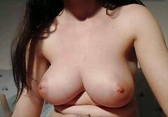 Succosa ragazza ottiene la sua figa stretta e video porno su megasesso culo strappato.