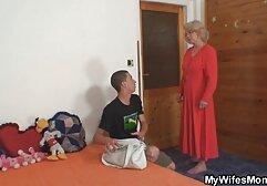 Caldo mamma in calze autoreggenti scopata due bradipi in il culo su megasesso in hd il divano